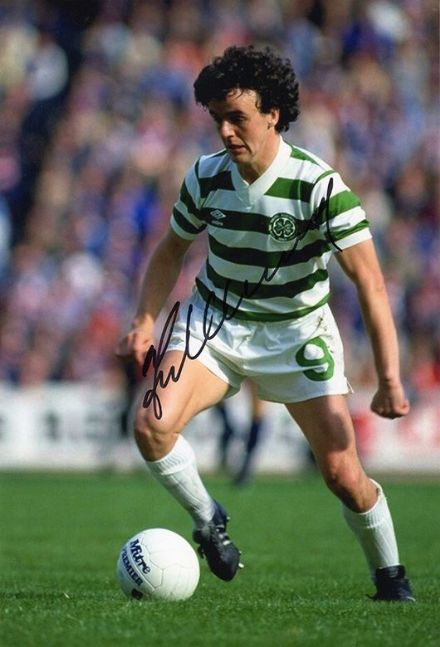 Frank McGarvey, Glasgow Celtic, signed 12x8 inch photo.